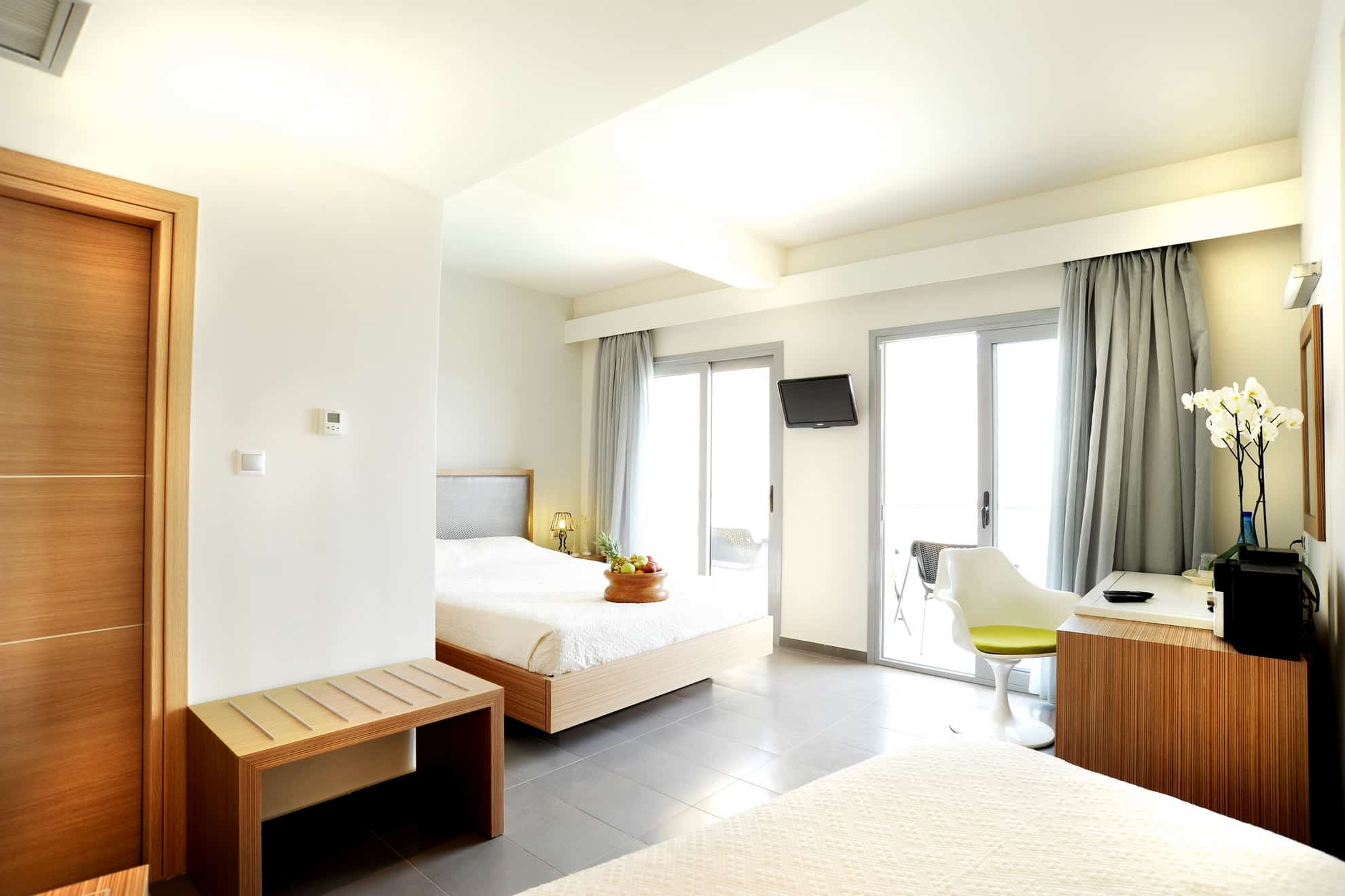 SIKYON_COAST_TRIPLE_FOREST VIEW-ROOM_1